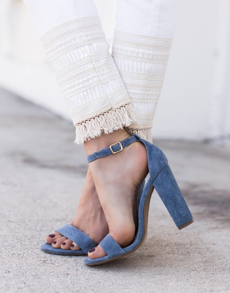 Blogger wearing Steve Madden