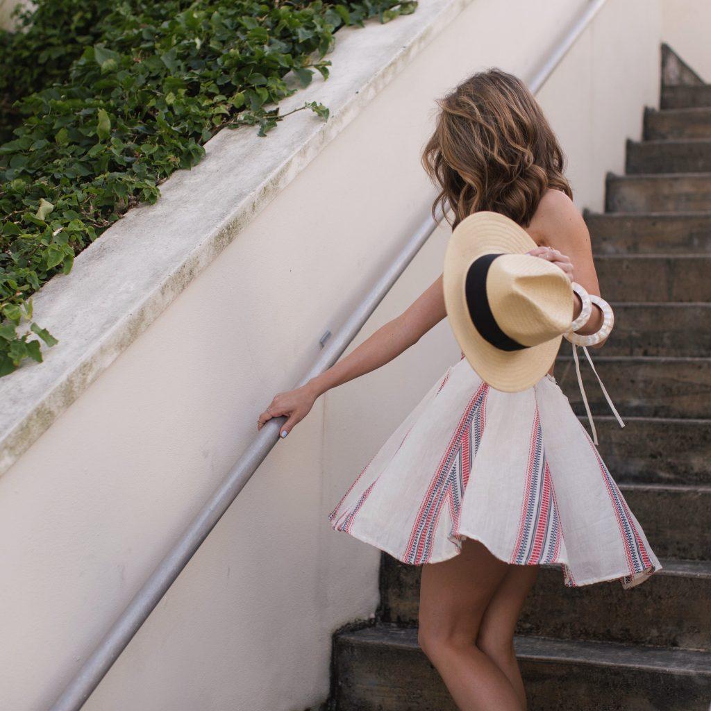 Blogger wearing Tularosa